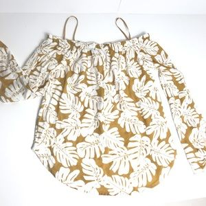 One clothing off shoulder top never worn